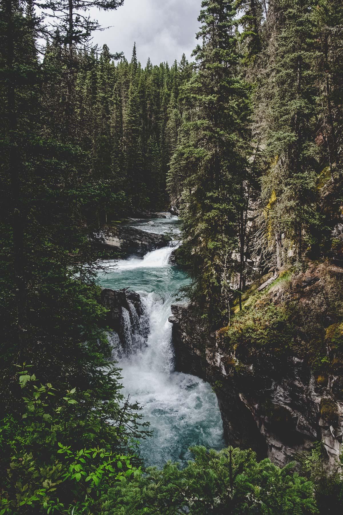 Johnston Canyon - Banff National Park   © individualicious