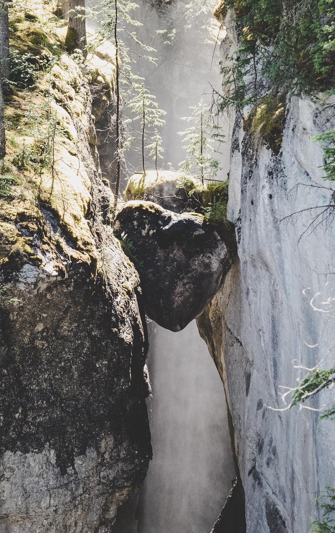 Maligne Canyon   © individualicious